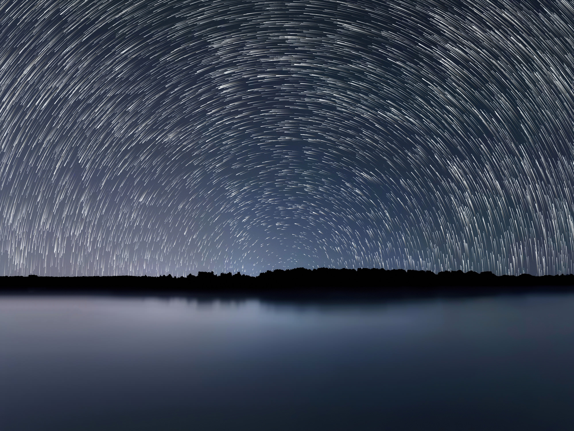 A Beginner's Guide to Photographing Stars With (or Without) Trails