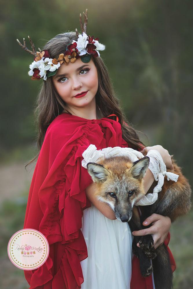 girls imelda ivory cybelle crown Garnette cape Paulina Martinez web res little red sew trendy retreat 2017 s