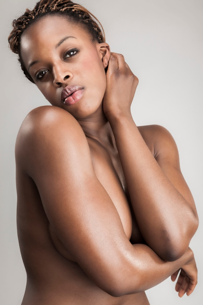 nude black modell foto shooting
