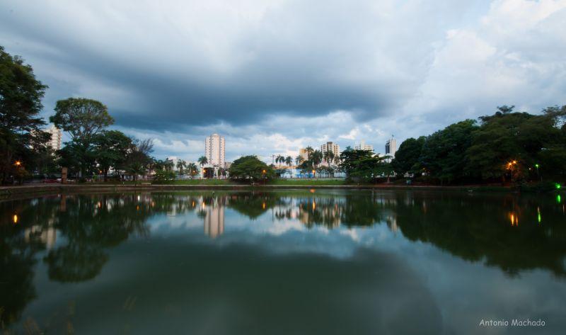 http://www.photographytalk.com/images/groupphotos/86/805/ab9087c7e637e4f3e9d108cb.jpg