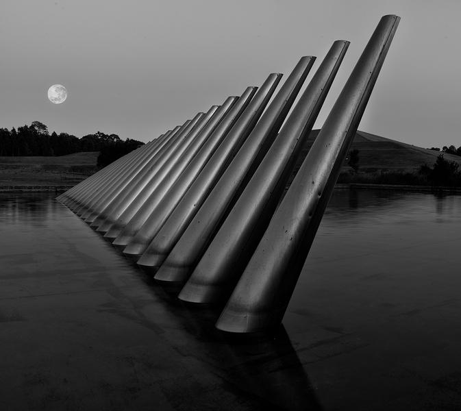 moonoverpipes2.jpg
